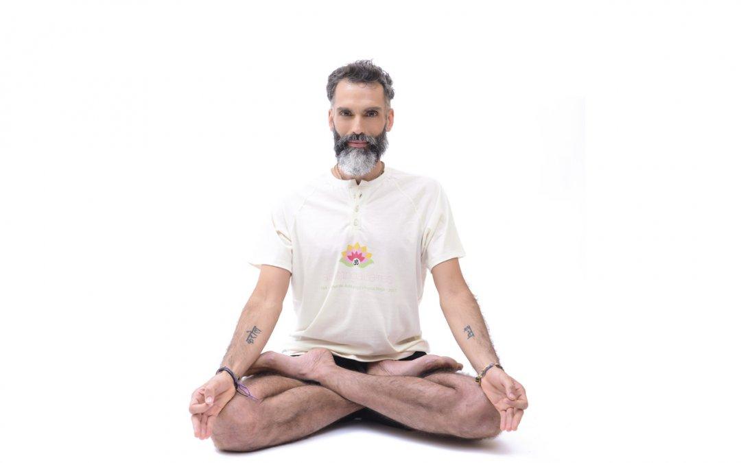 Entrevista a Lisandro Botto (instructor de Ashtanga Vinyasa Yoga)